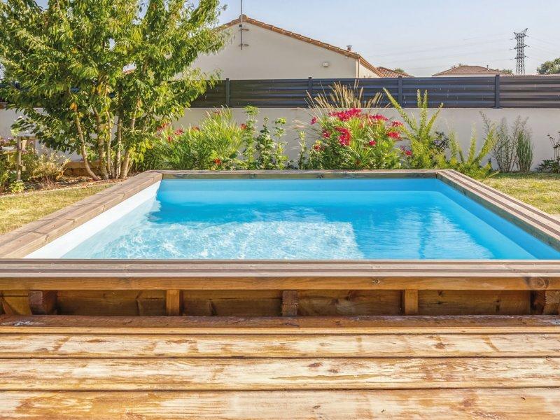 piscine-rectangulaire-en-bois