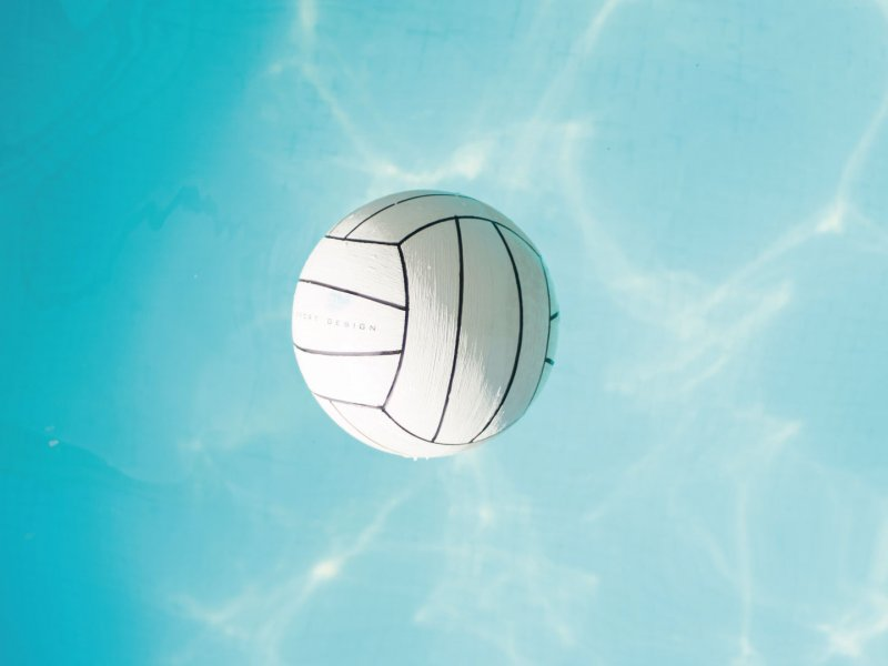 Sports-dans-la-piscine